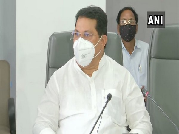 Maharashtra Minister Vijay Wadettiwar speaking in a press conference in Pune on Thursday. Photo/ANI
