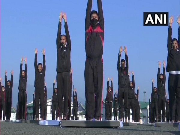 Jawans in Srinagar practice Yoga