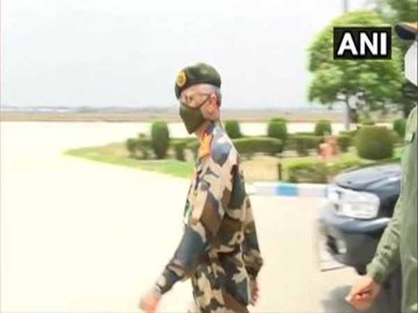 Army Chief General MM Naravane leaves for Ladakh to review on-ground situation. Photo/ANI