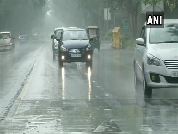 Delhi on Wednesday received rain showers. [Photo/ANI]