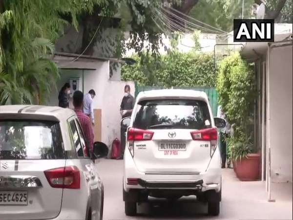 A team of Enforcement Directorate (ED) on Tuesday arrived at the residence of Congress leader Ahmed Patel. (Photo/ANI)