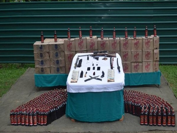 Recovered arms and liquor (Photo/Twitter/Eastern Command)