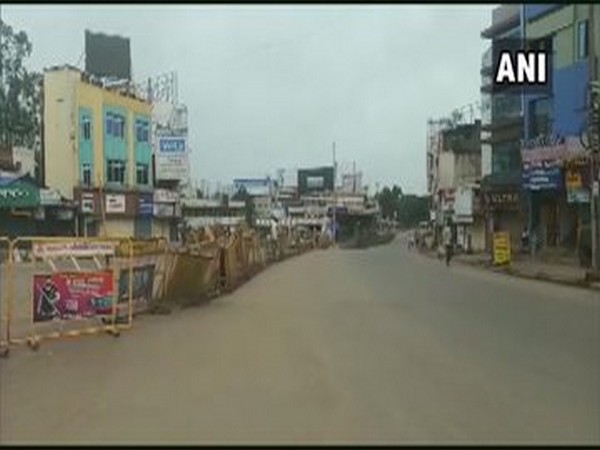 Roads were deserted in Hubli as Karnataka observed a complete lockdown on Sunday due to the COVID-19 pandemic.