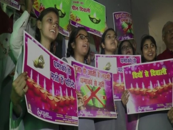 Students from a Kanpur school campaigned for celebrating eco-friendly Diwali.