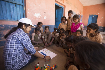 Educate Girls' Team Balika volunteer conducting a remedial learning session called Gyan Ka Pitara in  a remote village in India