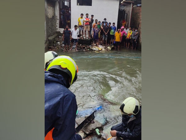 Search operation underway to find the three missing females in Trimurti Chawl. (Photo/ANI)