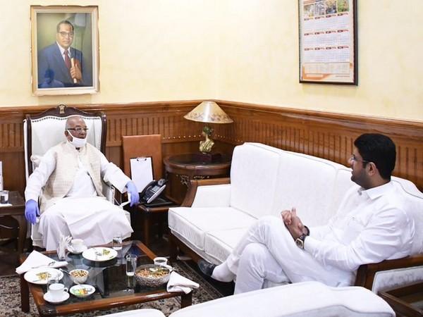 Deputy Chief Minister of Haryana Dushyant Chautala met the Governor Satyadev Narayan Arya on Monday (Source: Twitter)