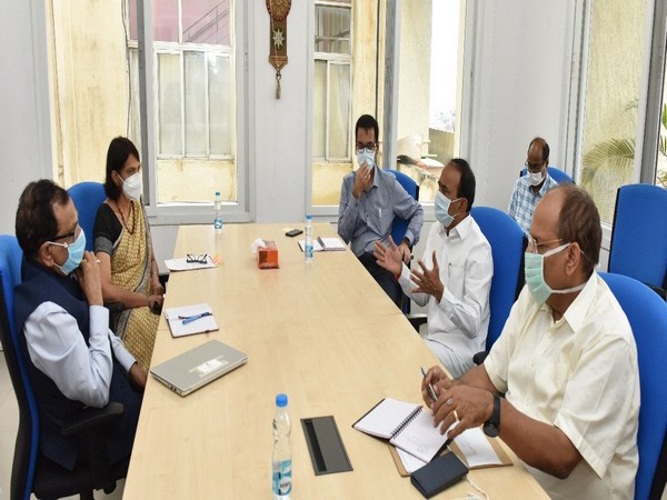 Members of the central team met the Telangana State Minister for Health and Family Welfare Eatala Rajender. (Photo/ANI)