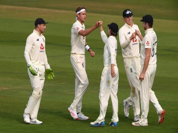 England team celebrates after dismissing Asad Shafiq (Photo/ ICC Twitter)