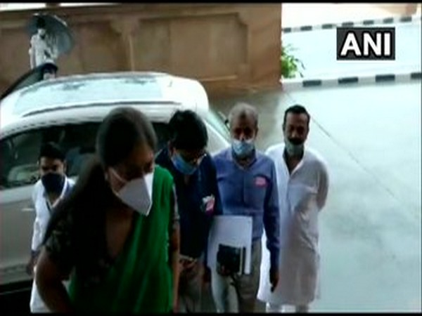 BJP leader Vasundhara Raje arrived at Rajasthan Assembly. [Photo/ANI]