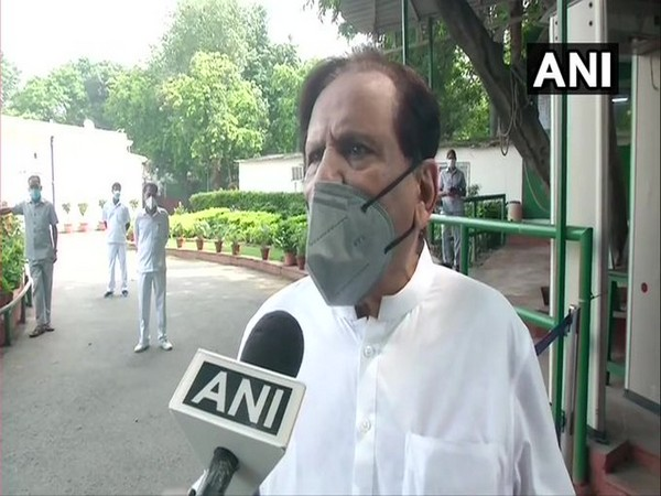 Congress leader Ahmed Patel speaks to ANI in New Delhi on Saturday [Photo/ANI]