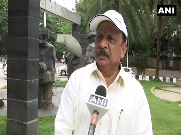 Former Karnataka Minister Roshan Baig (Photo/ANI)