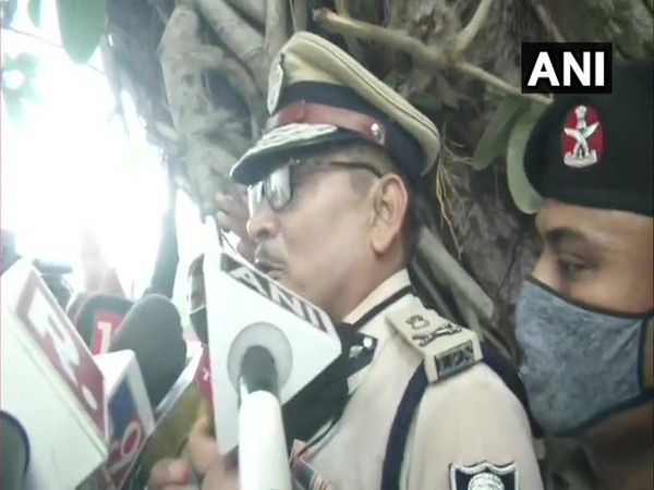 Bihar DGP Gupteshwar Pandey speaking to media in Patna on Wednesday [Photo/ANI]
