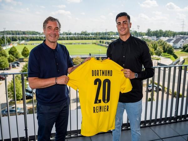 Reinier (right) (Photo/ Borussia Dortmund Twitter)