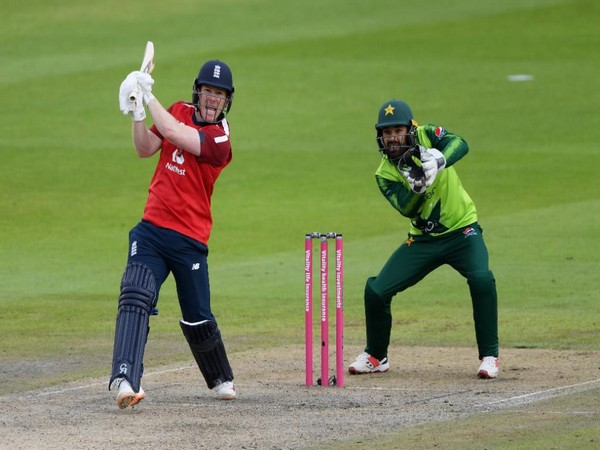 Eoin Morgan in action against Pakistan in second T20I (Photo/ ICC Twitter)
