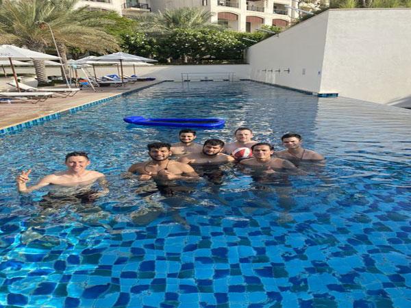 Arjun Tendulkar along with MI players (Photo/ Rahul Chahar Twitter)
