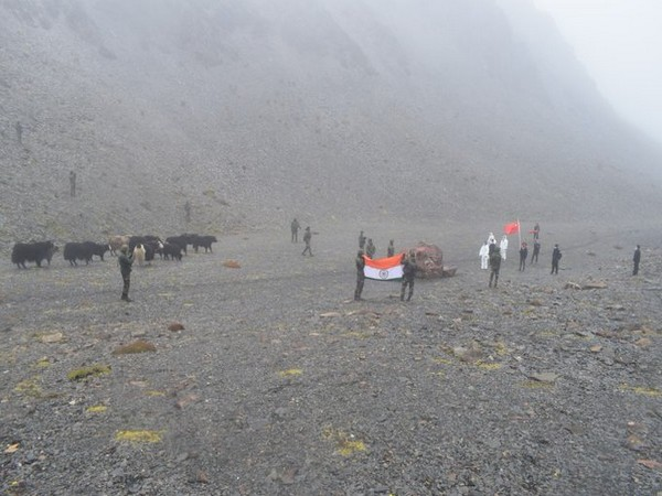 Indian Army returns stray yaks on LAC to China [Pic source: Eastern Command on Twitter]