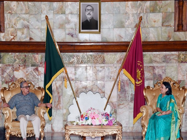 Bangladesh President Abdul Hamid and Indian High Commissioner  Riva Ganguly Das (Photo:  Indian High Commission, Bangladesh/Twitter)