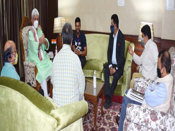 Suresh Raina met the J-K Lieutenant Governor Manoj Sinha on Friday (Photo/ANI)