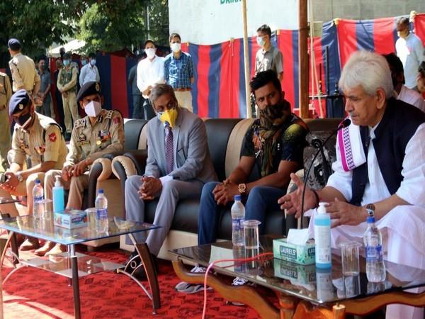 Suresh Raina with Lieutenant Governor of Jammu and Kashmir Manoj Sinha (Photo/ Suresh Raina Twitter)