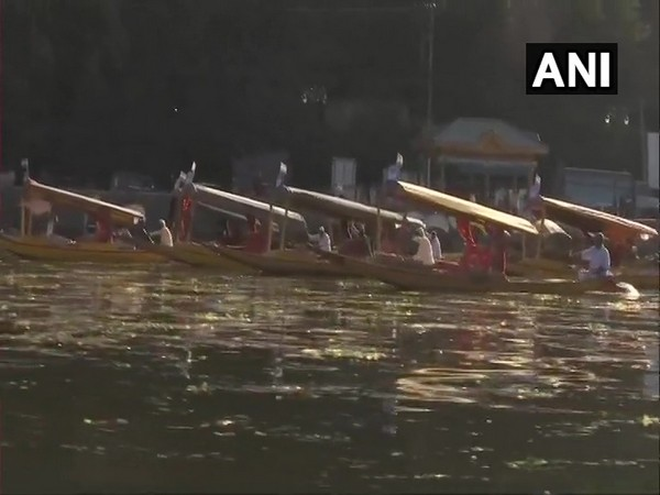 Indian Army organised their annual 'Shikara Race' in Srinagar (Photo/ANI)