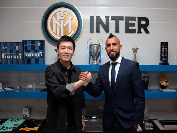Arturo Vidal (right) (Photo/ Inter Milan Twitter)
