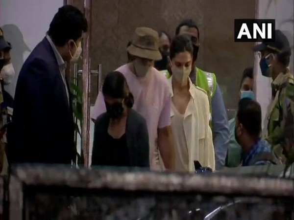 Actor Deepika Padukone along with her husband Ranveer Singh reached Mumbai, Maharashtra. Photo/ANI