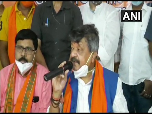 BJP leader Kailash Vijayvargiya speaking at a press conference in Durgapur on Thursday. [Photo/ANI]