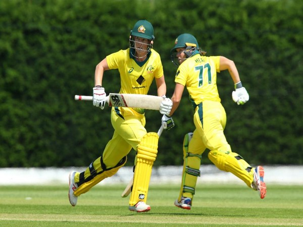 Rachael Haynes and Alyssa Healy in action against New Zealand (Photo/ ICC Twitter)