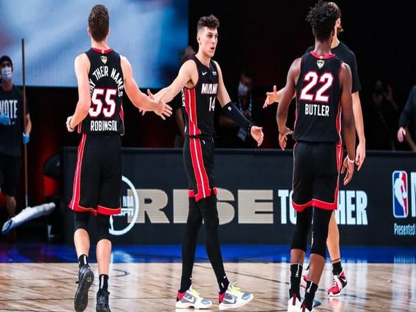 Miami Heat in action against LA Lakers (Photo/ Miami Heat Twitter)