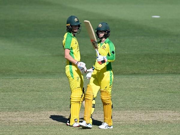 Meg Lanning and Rachael Haynes in action against NZ. (Photo/ Australian Women's Cricket Team Twitter)