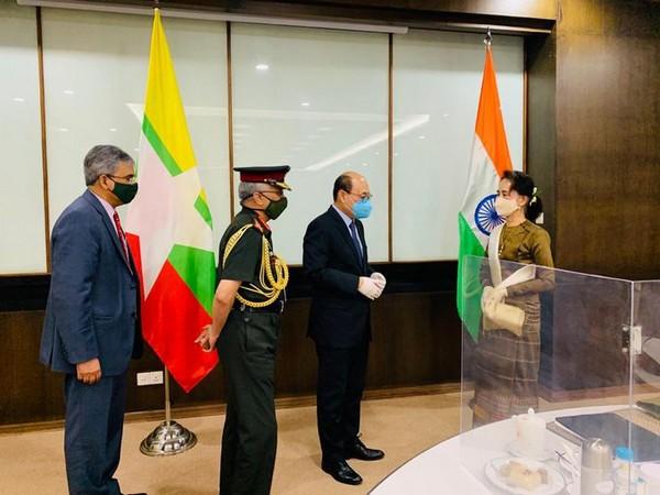 Foreign Secretary Harsh Vardhan Shringla and Army chief General MM Naravane meet Myanmar State Counsellor Daw Aung San Suu Kyi [Photo: Twitter/India in Myanmar]