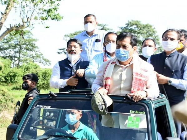 Assam Chief Minister Sarbananda Sonowal taking jeep safari at Kaziranga National Park (Photo/Twitter)