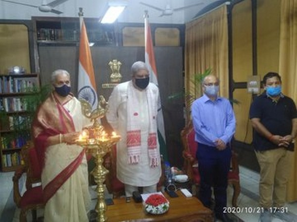 West Bengal Governor Jagdeep Dhankhar inaugrating Durga Puja (Photo/Twitter)