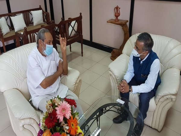 Indian High Commissioner in Sri Lanka Gopal Baglay with Minister of Water Supply Vasudeva Nanayakkara. (Photo credit: Twitter/India in Sri Lanka)