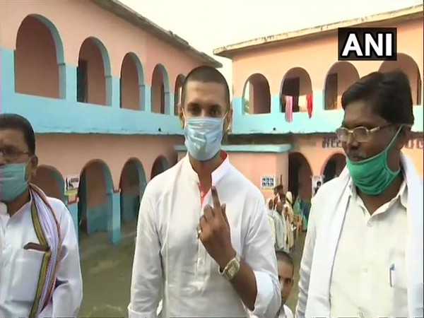 Paswan cast his vote at a polling booth in Khagaria and urged voters not to let their vote go wasted. Photo/ANI