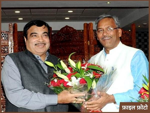 Uttarakhand Chief Minister Trivendra Singh Rawat with Union Transport and Highways Minister Nitin Gadkari (Photo/Twitter)