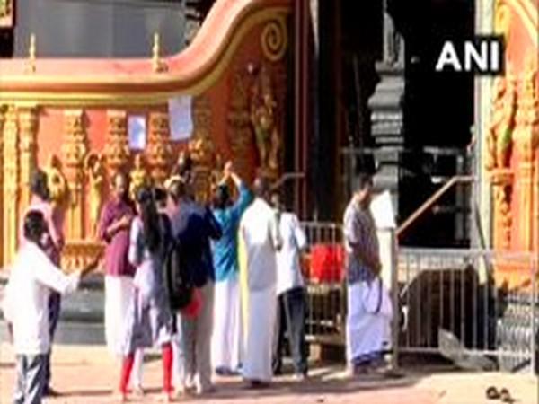 Devotees offer prayers at Pazhavangadi Ganapathi Temple in Thiruvananthapuram (Photo/ANI)