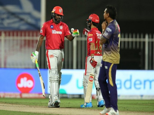 KXIP's Chris Gayle and Mandeep Singh in action against KKR (Photo/ IPL Twitter)