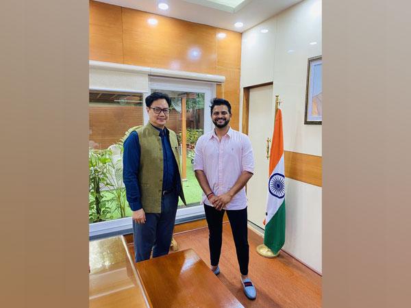 Suresh Raina with Kiren Rijiju (Photo/ Suresh Raina Twitter)