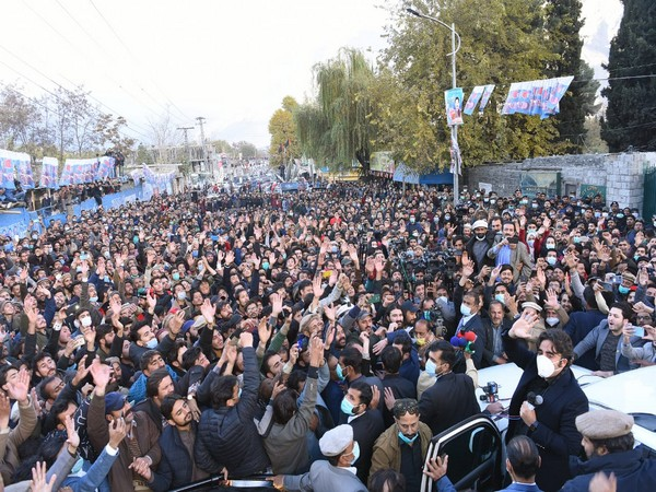 The Pakistan Peoples Party (PPP) workers have blocked Shahrah Quaid-i-Azam in Gilgit since Monday morning, Dawn reported.