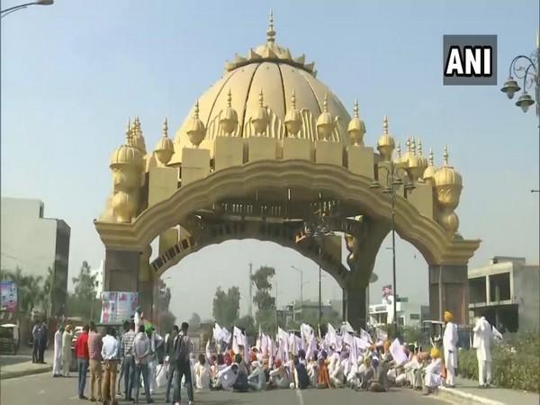 Visuals from the Amritsar-Delhi border protest. (Photo/ANI)