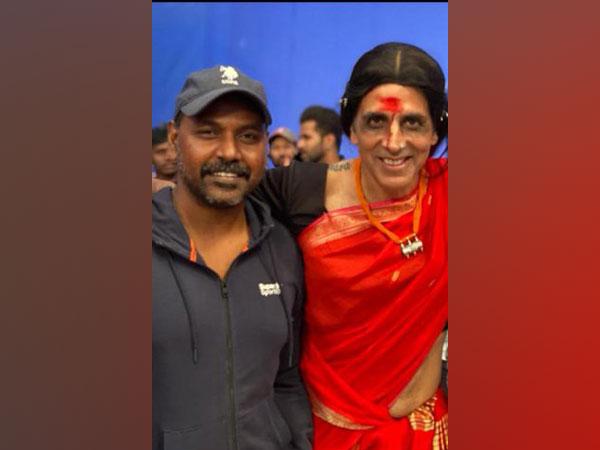 Director Raghava Lawrence and actor Akshay Kumar (Image Source: Twitter)