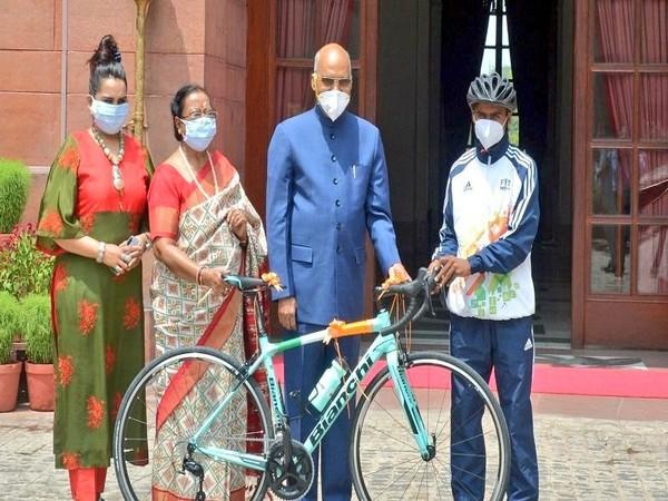 President Ram Nath Kovind gifted sports bicycle to Riyaz in July. (Photo/ Kiren Rijiju Twitter)