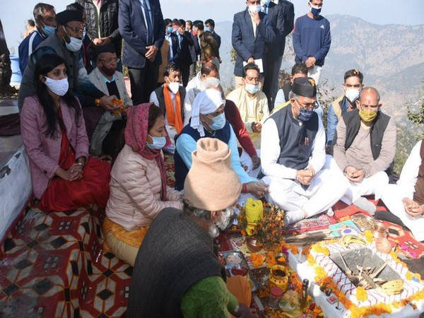Uttarakhand CM first visited the temple located in Bhararisain and offered prayers to Goddess Bharadi and wished for the prosperity of the state. [Photo/ANI]