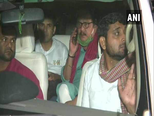 Delegation of RJD and Congress reached the ECI office (Photo/ANI)