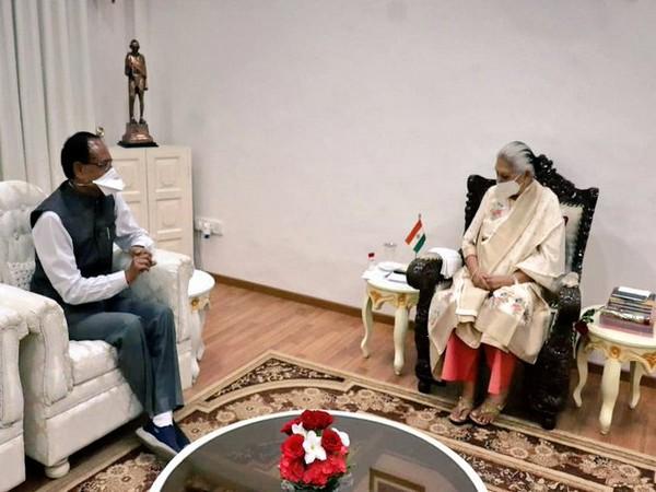 Chief Minister Shivraj Singh Chouhan met Governor Anandiben Patel on Wednesday. (Photo/ANI)
