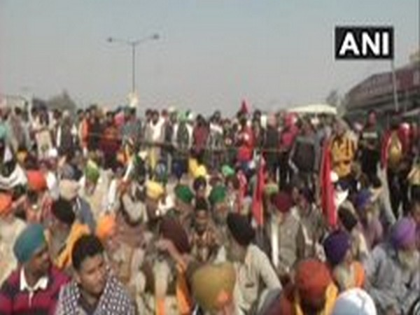 During the meeting, farmers raised anti-government slogans. [Photo/ANI]