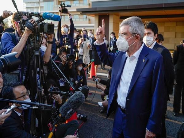 IOC President Shinzo Abe arrives at Athletes' Village (Photo/ IOC Media Twitter)
