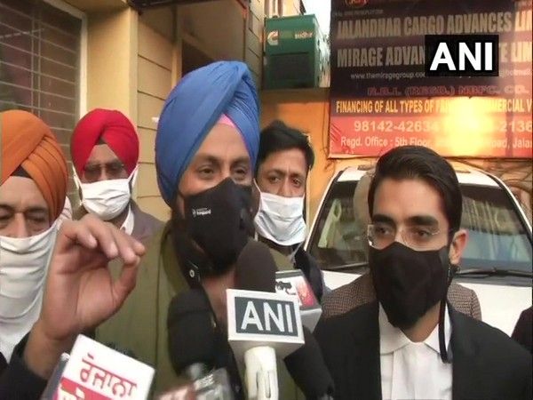 Raninder Singh appeared before ED office in jalandhar on Thursday. [Photo/ANI]